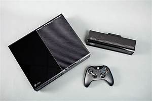 High quality pictures of the Xbox One console, its ...