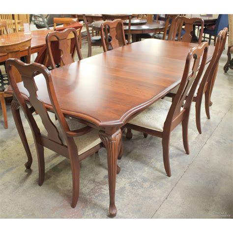 mastercraft ind amish dining table  chairs upscale consignment