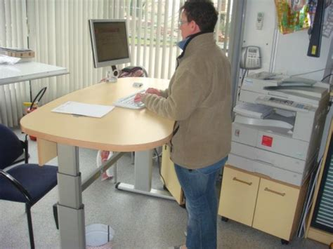 position bureau ergonomique électrique mobilier raimondi