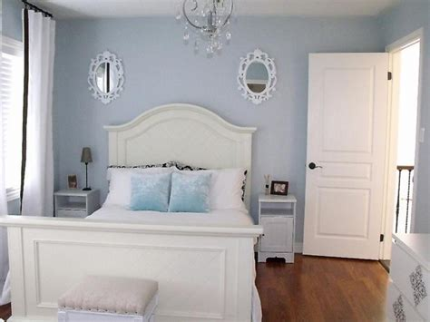 small guest bedroom decorating ideas light grey