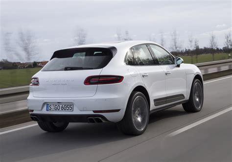 Porsche 4 Cylinder by Porsche Base Macan Gets 4 Cylinder Engine Drive Safe And