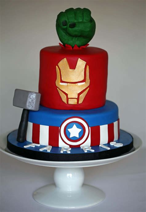 We offer many 6 and 8 cakes with an elegant design, perfect for your small events. Avengers cake | Avengers birthday cakes, Avenger cake ...
