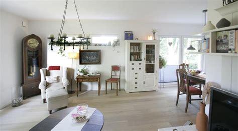Danwood Haus 111 by Dan Wood Bungalow 82