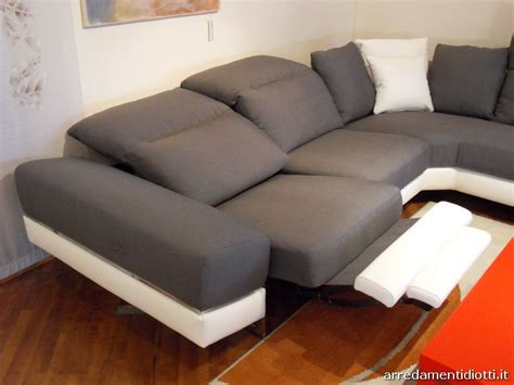 Divano Componibile Con Sistema Relax Modello Atelier