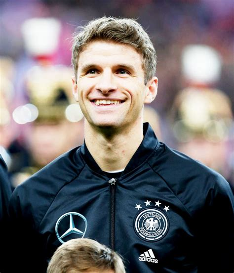 Thomas Müller (With images)   Thomas müller, Football is ...