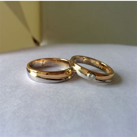 couple band rings gold best wedding band trends