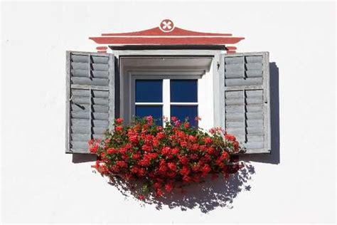 Fensterlaeden Praktische Zierde Fuers Haus by Fenster Und T 252 Ren Fensterl 228 Den F 252 R Ihr Haus Www
