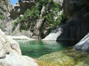 ruisseau du fiumicelli rando aquatique With aiguilles de bavella piscine naturelle 1 les aiguilles de bavella piscine naturelle cascade
