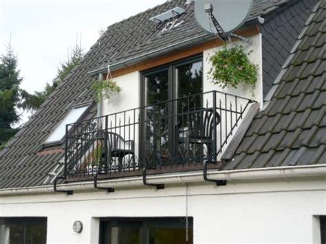 dachgaube mit balkon kosten dachgaube mit balkon beispiele f 252 r dachausbau zimmerei