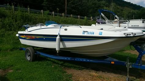 Bayliner Boat Prices by Bayliner Deck Boat 2007 For Sale For 200 Boats From Usa
