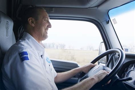 walmarts growing fleet seeks drivers drivers trucking