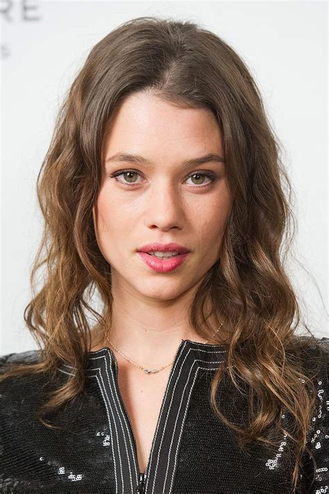 astrid berges frisbey  actress reflejos
