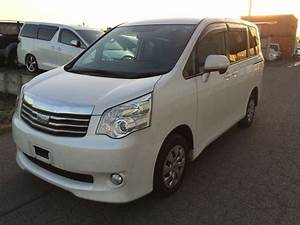 Toyota Noah   2011  Used For Sale