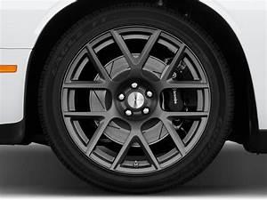 Image: 2017 Dodge Challenger R/T Scat Pack Coupe Wheel Cap