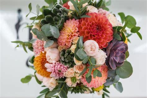 august wedding flowers bouquets  decoration ideas