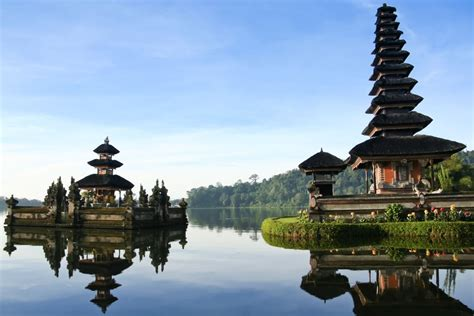 bali indonesia popular travel destinations