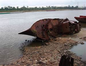 Low Water Reveals Wreck of WWII Minesweeper in St. Louis ...  Wreck