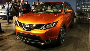 Nissan Juke Rouge : 2017 nissan rogue sport slots in between the juke and the rogue ~ Melissatoandfro.com Idées de Décoration