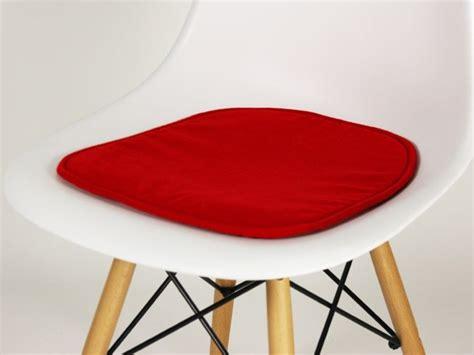 ikea coussin chaise pin chaise haute antilop de ikea mobilier bubblemag