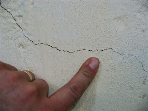 30' Epoxy Concrete Basement Crack Repair Kit Applied