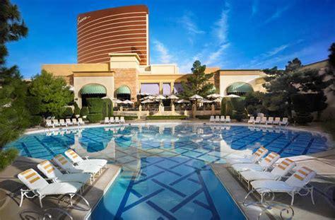 Top 10 Vegas Hotel Pools