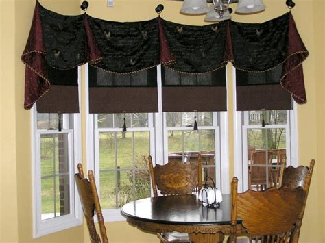 Kitchen Curtain Ideas For Bay Window by Miscellaneous Window Treatment Ideas For Kitchen Bay
