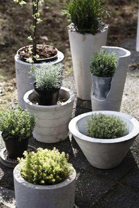 Gartendeko Aus Beton Basteln by Gartendeko Beton Pflanzkuebel Verschiedene Formen Garten