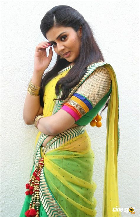 hips in saree page 2007 xossip