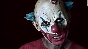Creepy clown craze sweeps the globe - CNN.com  Scary