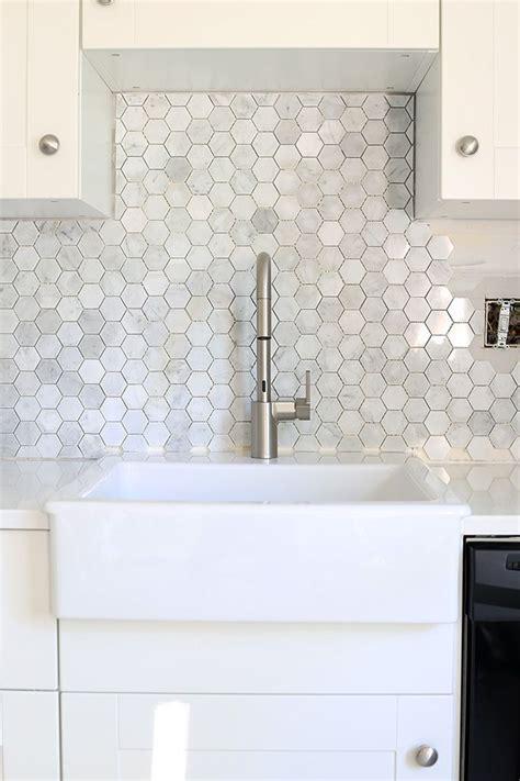 install  marble hexagon tile backsplash helpful tips kitchen backsplash  grouting tile