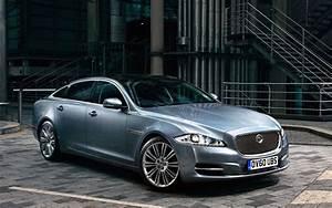 Free Jaguar XJ Luxury Car Desktop Wallpapers