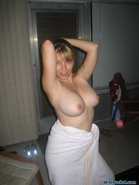 more nude wives and milfs from wifebucket wifebucket offical milf blog