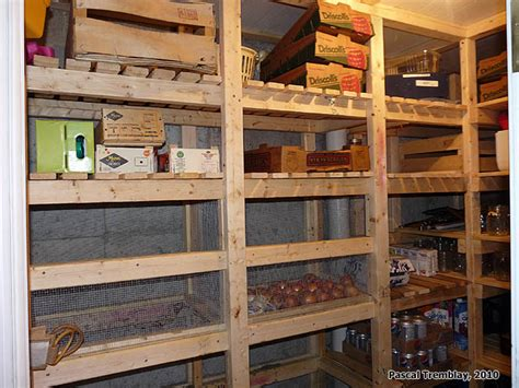 etagere chambre froide walk in cold room and canning room wooden vegetable bins