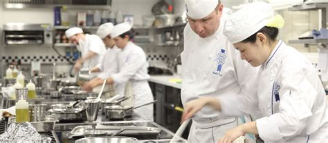 meet cuisine chef colin westal le cordon bleu