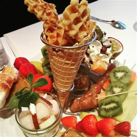 paradis du fruit dessert fondue aux fruits picture of le paradis du fruit lyon tripadvisor