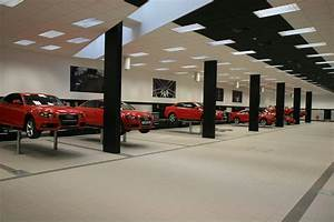 Audi Garage : the largest audi dealership of the world audi west london uk only cars and cars ~ Gottalentnigeria.com Avis de Voitures