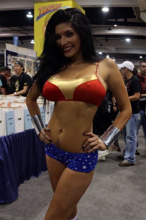 gallery sexy comic con cosplay girls geekologie