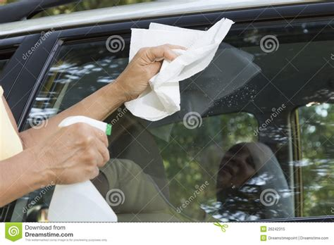 Window Cleaning: Cleaning Car Window