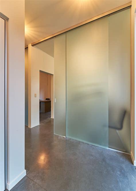 porte vitrée coulissante portes coulissantes en verre sur mesure anyway doors