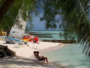 File:Rum point beach.jpg - Wikimedia Commons