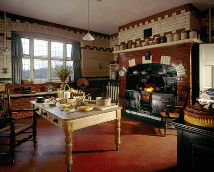 kitchen  wightwick manor    table