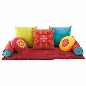 7 coussins matelas en coton multicolore roulotte for Tapis exterieur avec matelas canapé futon