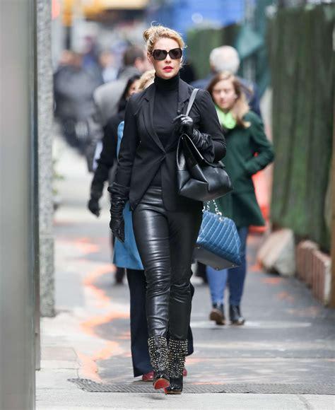 katherine heigl  leather pants  gotceleb