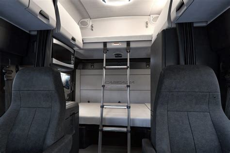 freightliner interior model introducing the new 2017 2018 freightliner cascadia truck