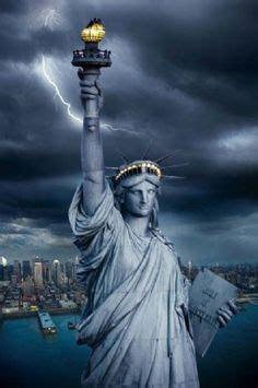huge lightning bolt strikes statue  libertyand