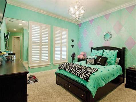 Aqua Paint Color For Bathroom Walls