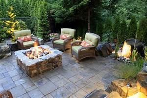 gehwegplatten verlegen und einen hof mit charakter gestalten With feuerstelle garten mit balkon bäume im topf