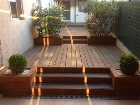 bureau en bois exotique bain de soleil en bois exotique idées de bain de