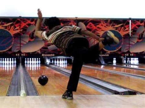 Slowmotion Bowling Cranker Release
