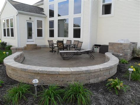 Cement Patio Designs by Sted Concrete Patio With Seating Wall Column And Grill